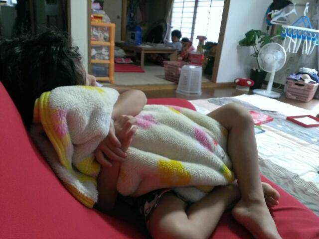 お誕生日会、そして毛布の季節。